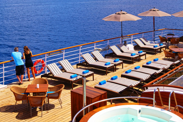 Activities - Pool on-board Windstar
