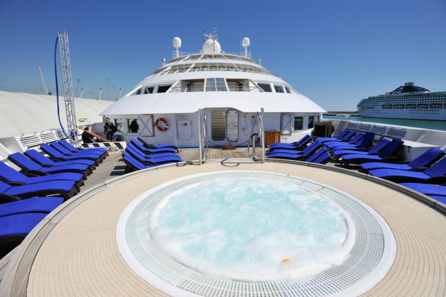 Windstar Cruises - Hot Tub