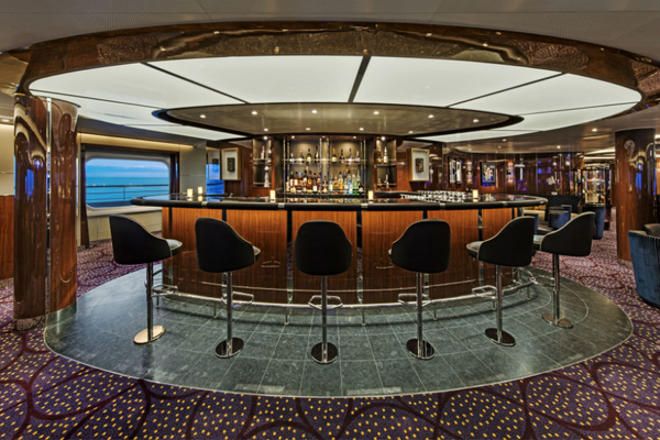 Bar on-board Seabourn Ovation