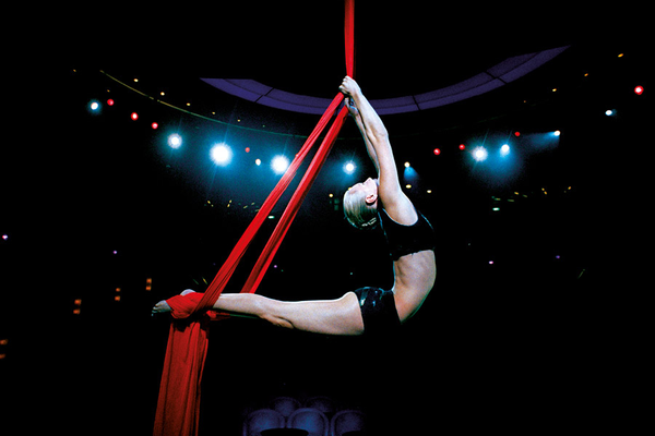 Gymnast performing in the theatre on-board PO Arcadia